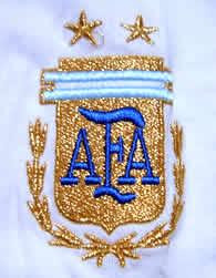 アルゼンチン代表04-05トレーニングシャツ白 エンブレム拡大
