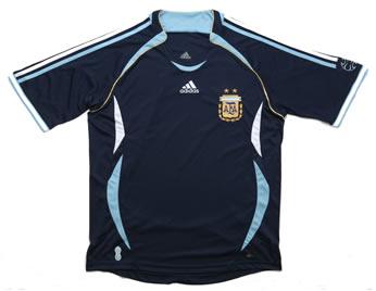 アルゼンチン代表06-07アウェー 正面から