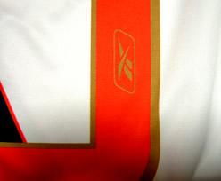 バスコ・ダ・ガマ2006ホーム 背番号にユニフォーム・サプライヤーReebokのロゴ入り